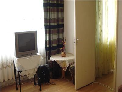 Apartament cu 2 camere si sufragerie