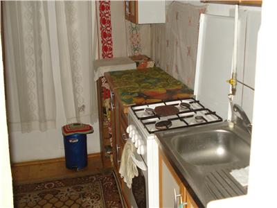 Casa spatioasa in zona linistita