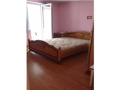 Apartament 3 camere de inchiriat