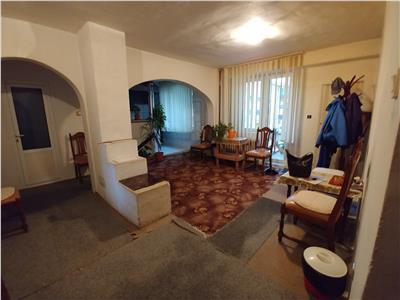 De vanzare apartament 4 camere in Balc
