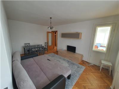 Inchiriez apartament 2 camere central - Oradea